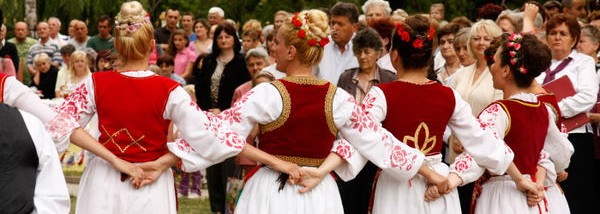 Through folklore to reconciliation